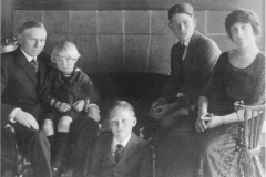 Pa, Emma and boys ca. 1925
