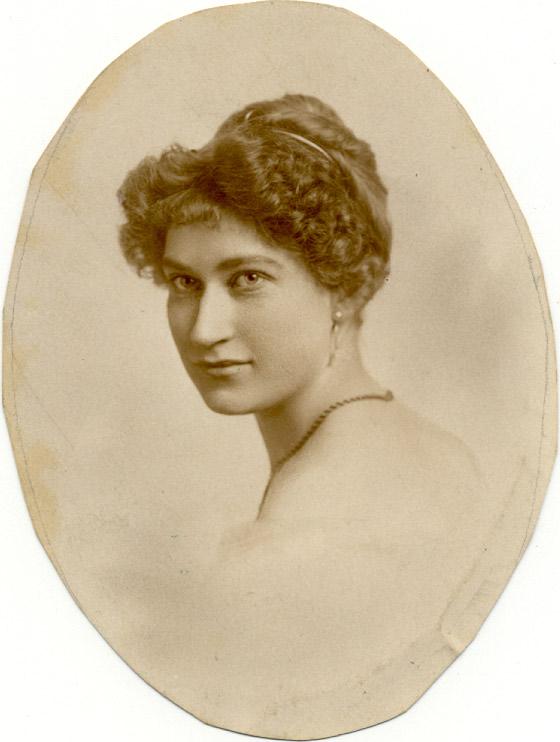 Camilla in 1911